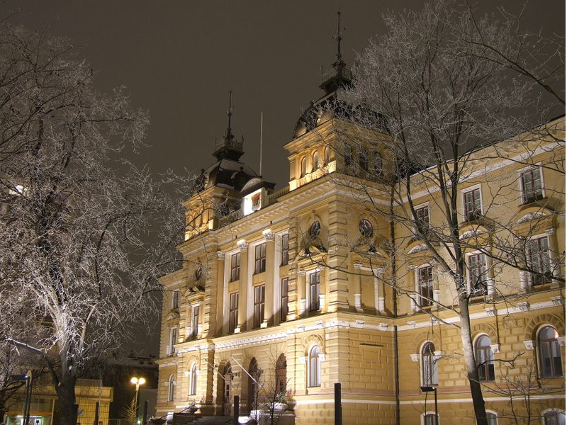 Oulun kaupungintalo. Kuva: Wikimedia Commons / Public Domain.
