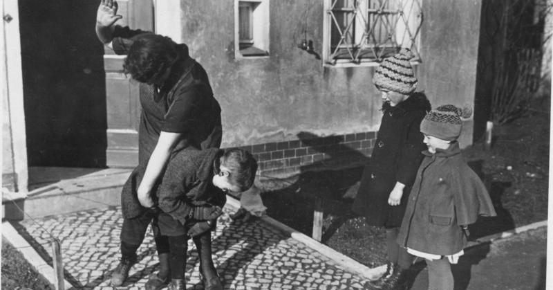 Kuritusta Hitlerin Saksassa vuonna 1935. Kuva: Bundesarchiv, CC BY-SA 3.0 DE