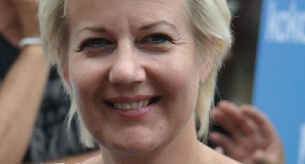 Entinen kansanedustaja ja ministeri Suvi Lindén SuomiAreena-tapahtumassa Porissa, 2010. Kuva: rajaus alkuperäisestä. Alkuperäinen kuva: Soppakanuuna. CC BY-SA 3.0.
