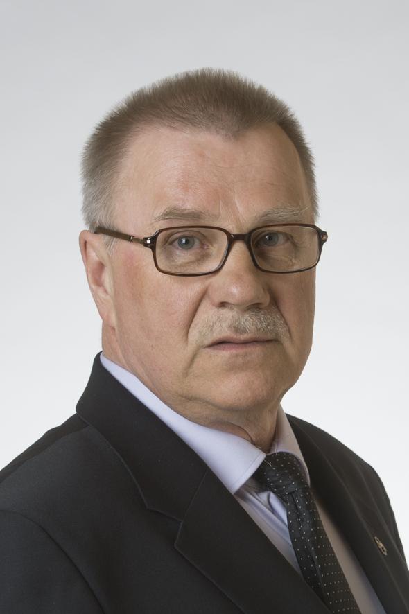 Kansanedustaja Pentti Oinonen (ps). Kuva: Eduskunta.