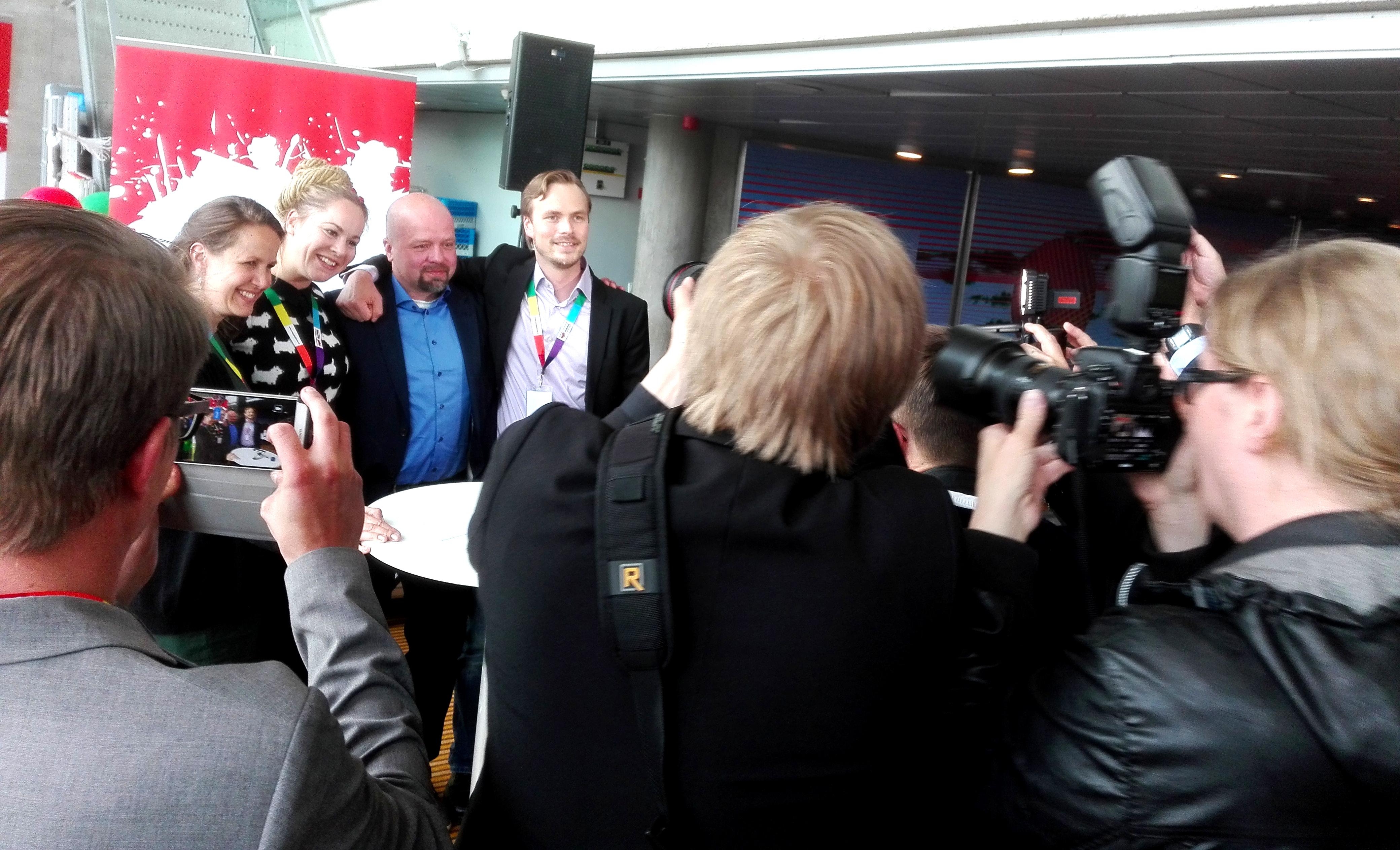 Veronika Honkasalo, Hanna Sarkkinen, Juho Kautto ja Joonas Leppänen poseerasivat.