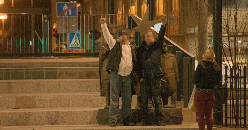 Illalla Suomi ensin -mielenosoitusteltan paikalla oli enää muutamia huutelijoita.