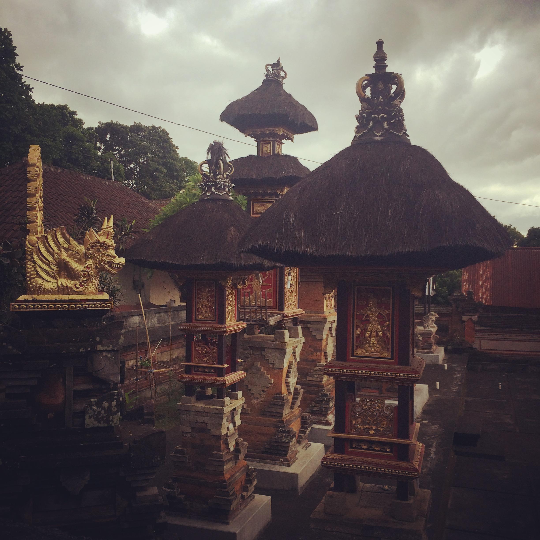 Ubud on täynnä temppeleitä