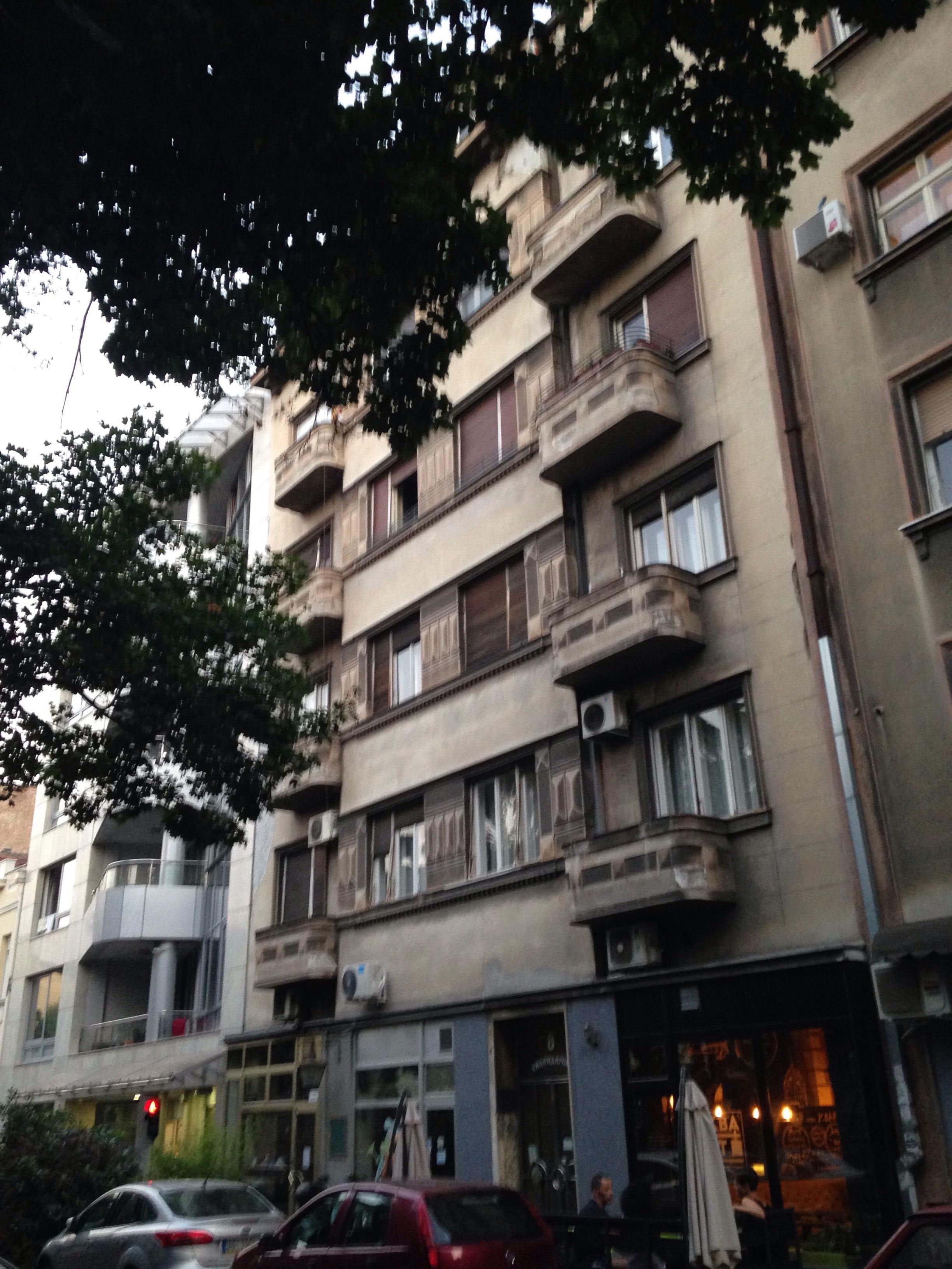 Belgrad on täynnä uniikkeja taloja. (IL)