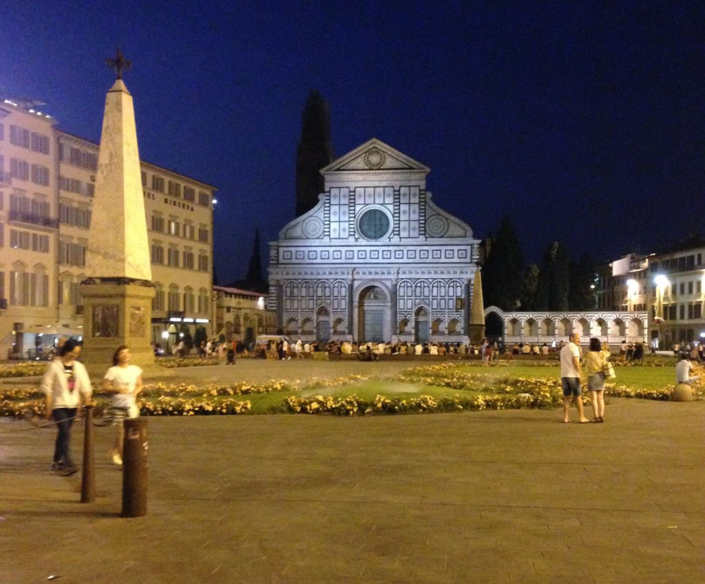 Italia on täynnä historiallisia kirkkoja.
