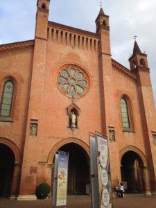 Alba on tunnettu katedraalistaan.