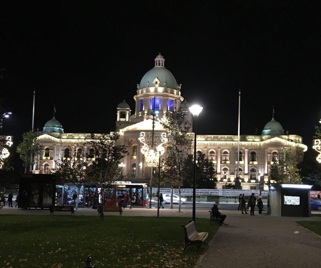 Talvi kirkastuu Belgradissakin jouluvalaistuksella.