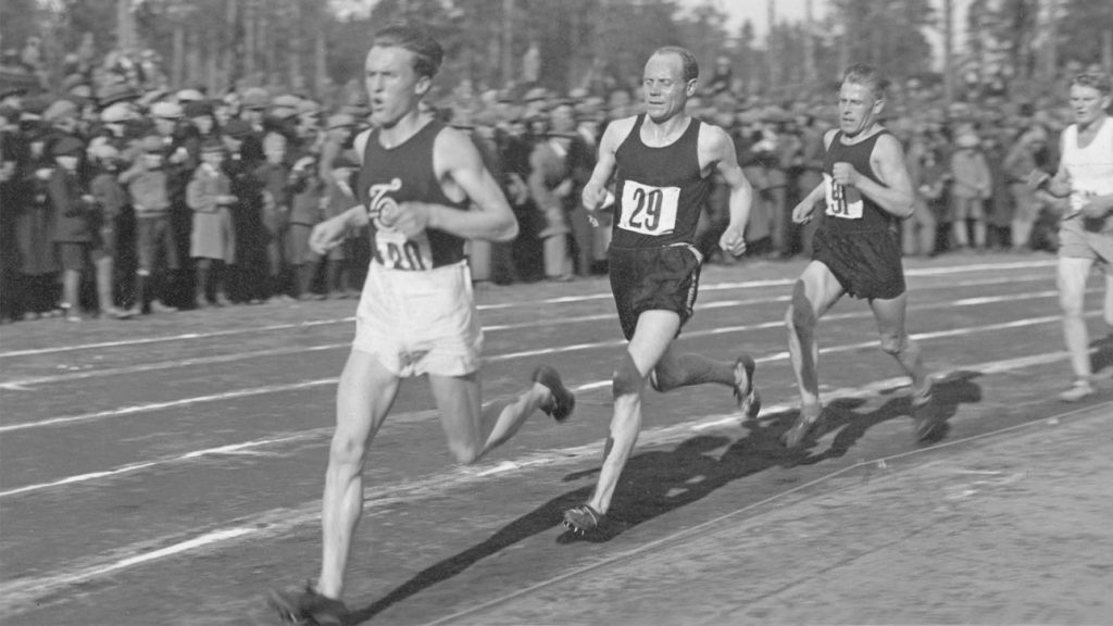 Paavo Nurmi Karjalan maratonilla vuonna 1933.