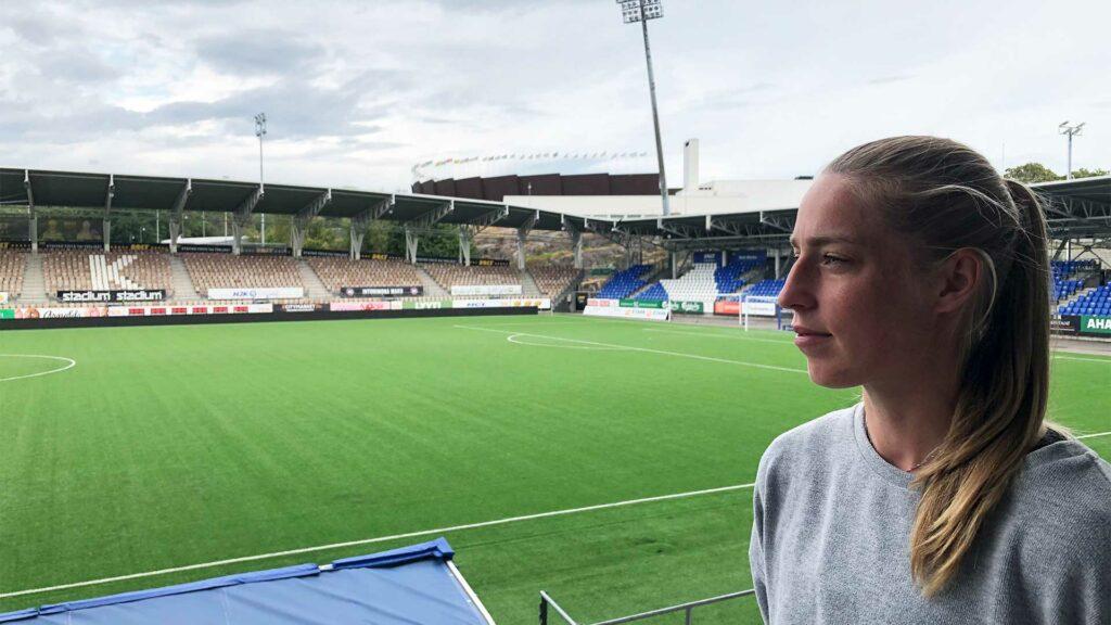 HJK:n otteluiden lisäksi Linda Sällströmin mielessä ovat naisten maajoukkueen kesän 2022 EM-turnaus sekä jossain vaiheessa Lundin yliopistossa jatkuvat lääkäriopinnot.