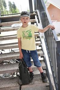 Kaapo on todettu psykologisissa testeissä  normaaliksi. Vanhempien mukaan koulu haluaa tästä huolimatta, että Kaapo alkaisi syödä ylivilkkauteen tarkoitettuja lääkkeitä. Kuva: Kari Hautala.