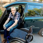 Onnettomuus vei Tommin ankaraan kuntoutusputkeen. Sen ansiosta hän pystyy nykyään ajamaan automaattivaihteista autoa.