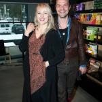 """Tuure Kilpeläinen ja Johanna """"Yona"""" Pitkänen iloitsivat albumeittensa Emma-ehdokkuuksista. """"Musiikki on leikkikenttä, joka kuuluu kaikille"""", Kriitikoiden valinta -kategoriassa Tango A La Yona -levyllään kilpaileva Yona muistutti."""