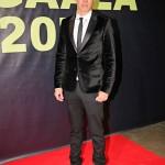 Näyttelijä Jasper Pääkkönen saapui gaalaan Los Angelesista, jossa hän oli osallistunut Hollywood-tähti Charlize Theronin hyväntekeväisyys- pokeriturnaukseen. Pelaamassa olivat muun muassa Leonardo DiCaprio ja Sean Penn.
