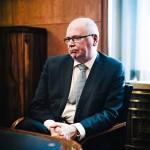 Tammikuussa 2015 Eero Heinäluoma joutui pitämään elämänsä vaikeimman puheen puolisonsa hautajaisissa.