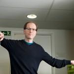 Psykiatri Timo Partonen on tehnyt uraansa suomalaisen kirkasvalohoidon kehittäjänä.