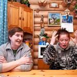 Sairastumisen jälkeen Arja ja Leila Pekonen eivät suhtaudu elämään niin vakavasti kuin ennen. Pikkuongelmista ei valiteta, ja naiset nauravat, jos vain mahdollista, entistä enemmän.