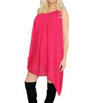 TÄHTIHETKI Pinkki pöytäliinamainen vinoon leikattu mekko on kuin huutomerkki, jonka ansiosta artisti ei voi koskaan hukkua väkijoukkoon.