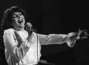 Paula Koivuniemi on useimmiten euroviisukarsintoihin osallistunut naisartisti, joka ei ole koskaan päässyt edustamaan Suomea. Kuva vuoden 1981 karsinnoista. Kuva:  Teppo Lipasti/Skoy