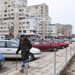 Jo Silistran kaupunkikuvasta voi päätellä, kuinka kovasti työttömyys satuttaa. Mutta pankkiautomaatteja kaupungissa riittää.