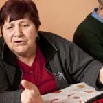 Äiti Kostadinka Milkova suree Suomessa vangittua poikaansa. Hän sanoo, että rakas poika on huolehtivainen, mutta pahoille teille päädyttyään myös tyhmä.