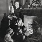 Perheidylliä joulun alla 1951. Oulun-kylän koti oli perheen turvasatama. Talon purki oopperalaulaja Raimo Sirkiä uudis-rakennuksensa tieltä 2000-luvun alussa.
