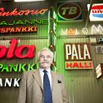 Teollisuusneuvos Markku Koskenniemen perustama Tammerneon on valomainosten uranuurtaja Suomessa.