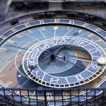 Tähtitieteellinen kello Prahan vanhassakaupungissa.
