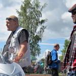 Isän ja pojan yhteinen harrastus liittyi autojen ja moottorien maailmaan.