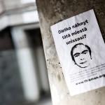 Tämä ilmoitus oli kiinnitetty pylvääseen Helsingissä.