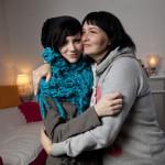 """""""Yritimme elää koko yhteisen loppuelämän muutamassa kuukaudessa"""", kuvaavat Pinja ja hänen äitinsä Mari aikaa Karin sairastumisen jälkeen."""