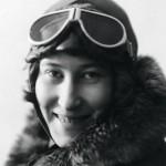 Vuokko Knuutila sai lentolupakirjan vuonna 1931 ensimmäisenä suomalaisena naisena.