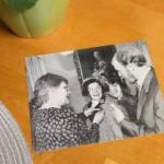 Sosiaali- ja terveysministeri Tarja Halonen ojensi Tommin äidille Kaija Lepojärvelle Suomen Valkoisen Ruusun ritarikunnan mitalin. Tilaisuudessa oli tulkkina Tommin veli Markku Lepojärvi.