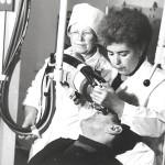 Andrejeva (vas.) työssään röntgenhoitajana.