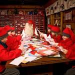 Rovaniemellä sijaitseva joulukupukin pajakylä on suosittu turistinähtävyys. Siellä sijaitsee myös Joulupukin pääposti.