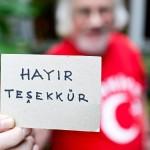 """Pylkkänen kirjoitti lapulle turkiksi """"En osta"""", mikä hillitsi innokkaita kauppiaita. He luulivat, että Pylkkänen on mykkä."""