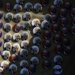 Putin-rintamerkkejä myytiin länttä vastustavassa mielenosoituksessa maaliskuussa 2015.