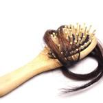 Ahkera pesu ei lisää hiusten irtoamista.