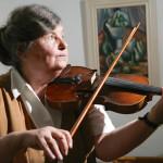 Christa Pietzschin kaiken nähnyt viulu soi yhä kauniisti.