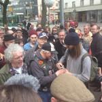 Kansalaiset kerääntyivät sunnuntaina Piritorille juhlimaan Pertti Kurikan Nimipäivien paluuta euroviisuista.