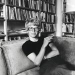 """Vasta saatuaan valtion kirjallisuuspalkinnon Kaari Utrio koki olevansa kirjailija. """"Se oli suuri asia minulle ja viihteelle."""" Kuva on vuodelta 1974."""