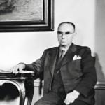 Oikeusneuvos Onni Petäys oli tietoinen siitä, että ihmiset osoittivat mieltään sotasyyllisyysoikeudenkäyntiä vastaan.