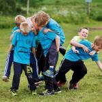 Keihäskouluun kuuluu harjoittelun lisäksi myös hauskanpito.