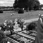 Suomen Johnny Cash esikuvansa haudalla Nashvillessa.