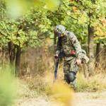 Puolan armeijan pioneerit ovat jo useita viikkoja etsineet metallinpaljastimilla mahdollisia räjähteitä aarrejunan oletetun sijaintipaikan maastosta.