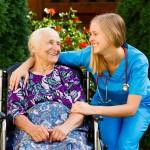 Alzheimerin tauti on yleisempi naisilla kuin miehillä.