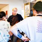 Monitoimiaktivisti Jaakko Blomberg uskoo, että  kaupungistumisen myötä kadonnut suomalainen yhteisöllisyys on vihdoinkin tulossa takaisin.