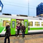 Tampereen ympäryskuntien edustajien mielestä junavuorojen karsinta aiheuttaa alueen elinkeinoelämälle isot menetykset.