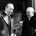Juho Kusti Paasikivi astui Suomen tasavallan presidentin virkaan Carl Gustaf Emil Mannerheimin jälkeen.