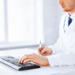 Lääkäri laatii ja allekirjoittaa e-reseptin sähköisesti.