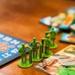 """""""Hyvä lautapeli on sellainen, että sen säännöt ovat helposti sisäistettävät, mutta peli ei silti ole liian yksinkertainen"""", Jemina Heljakka sanoo."""